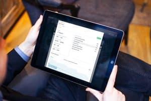Atomize Mitbewerber-Daten auf einem Ipad